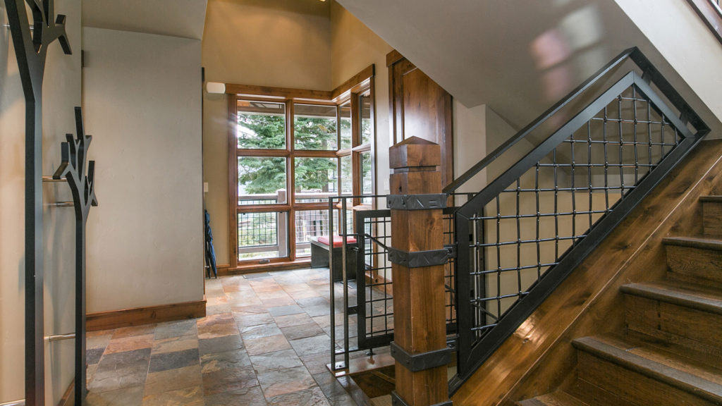 trailside-interior-stairway-entry-top